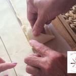 Spanakopitakias gefüllte Teigtaschen